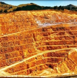 6 new small-scale gold, copper mines to be developed across Iran